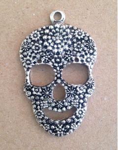 Aged Silver Sugar Skull - Metal Charm