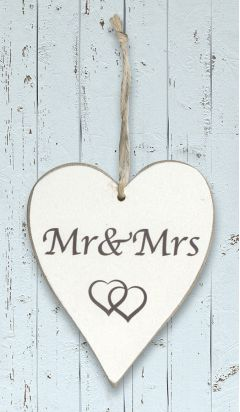 Wooden Heart - Mr & Mrs