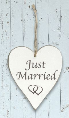 Wooden Heart - Just Married